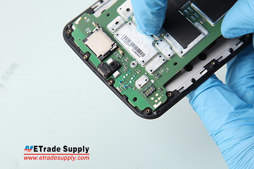 3.Assemble the logic board and LCD screen assembly.