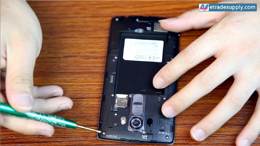 How to Replace the LG G4 Cracked Screen in 10 Minutes