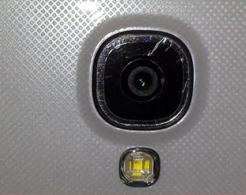camera lens get scratched