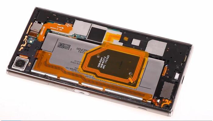 Sony Xperia XZ Premium TeardownDisassembly004