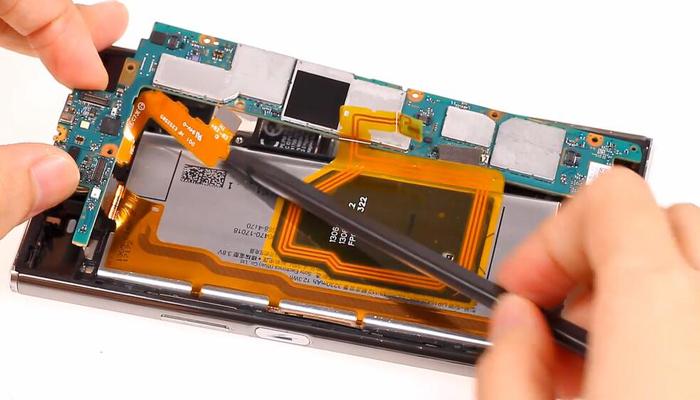 Sony Xperia XZ Premium TeardownDisassembly012