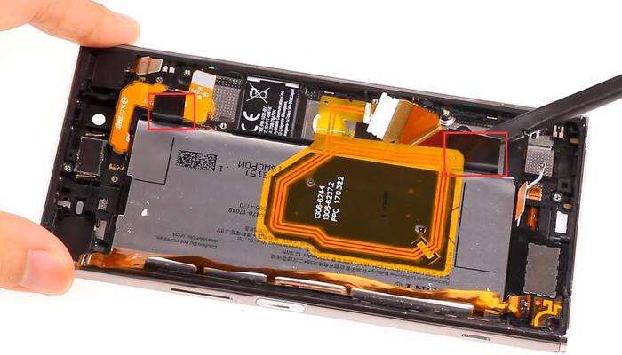Sony Xperia XZ Premium TeardownDisassembly015