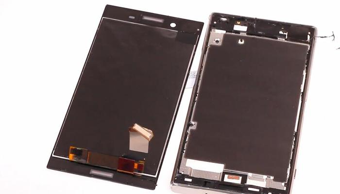 Sony Xperia XZ Premium TeardownDisassembly027