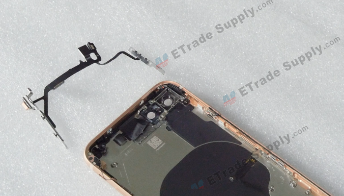 31 The power button and volume button flex cable is separated
