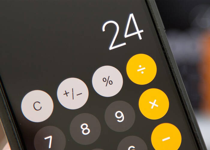 iPhone XS quick delete calculator digits