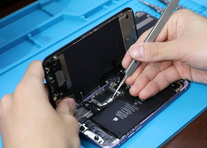 tear down the iphone and separate the display
