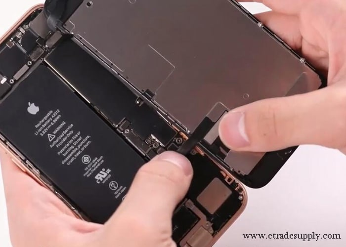 connect iPhone 8 display screen on iPhone SE 2020