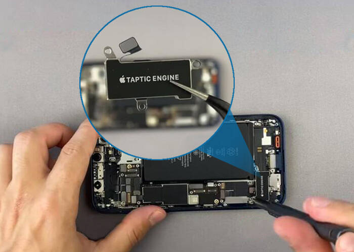Take off the iPhone 12 taptic engine