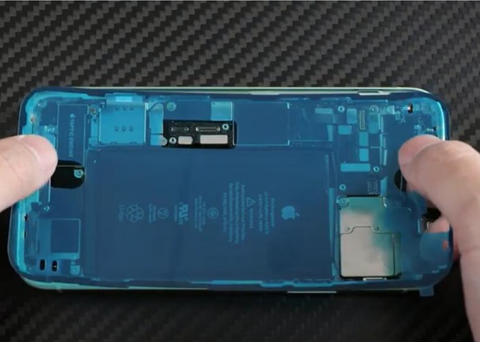 Apply a new iPhone 12 frame adhesive sticker